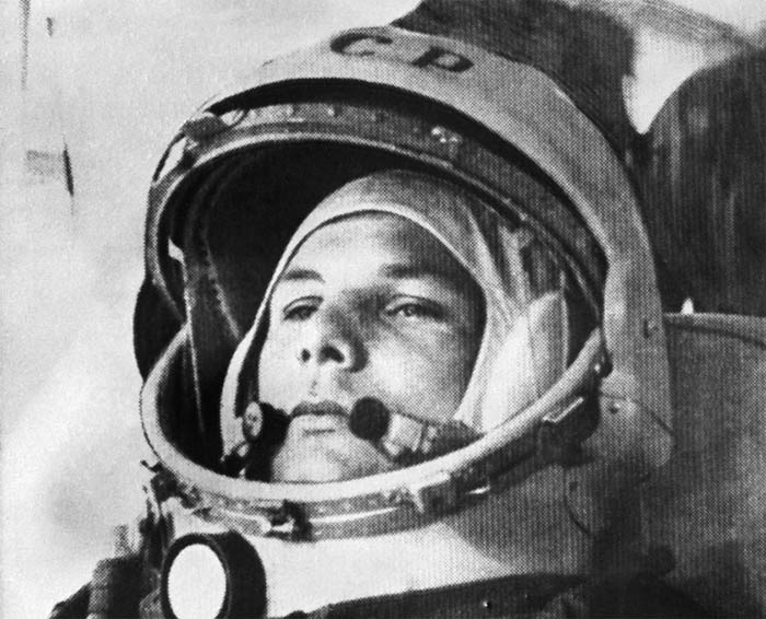 earth and yuri gagarin The soviets stunned the world again by sending the first person into space on april 12, 1961, cosmonaut yuri gagarin circled the earth once in his vostok spacecraft and returned safely gagarin's flight took place a month before american astronaut alan shepard's suborbital flight, and 10 months.